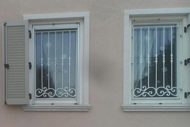 Ferro in arte artisti del ferro battuto - Modelli di grate per finestre ...